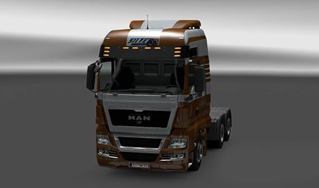 man-silver-transportexvj3p